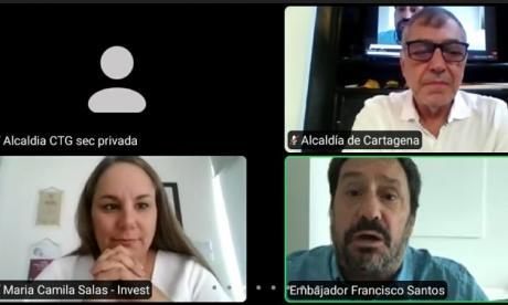 El embajador de Colombia en EEUU, Francisco Santos, en su encuentro virtual con el alcalde de Cartagena, William Dau, y la directora ejecutiva de Invest Cartagena, María Camila Salas.