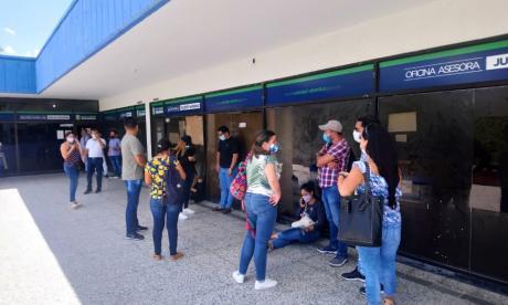 Ganadores de concurso al mérito en Soledad reclaman posesión de cargos