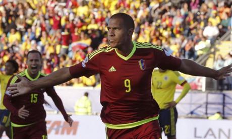 La Federación Venezolana de Fútbol (FVF) trabaja duro para poder contar con Rendón.