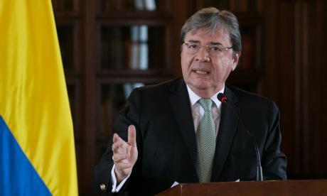 Carlos Holmes Trujillo, ministro de Defensa, está citado a las 2:00 p.m.