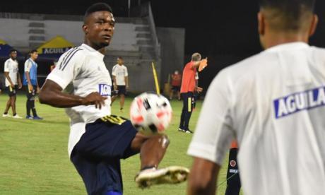 Jhon Córdoba durante el entrenamiento del martes de la Selección Colombia.