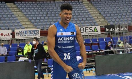 El barranquillero Jaime Echenique es sensación en el baloncesto español