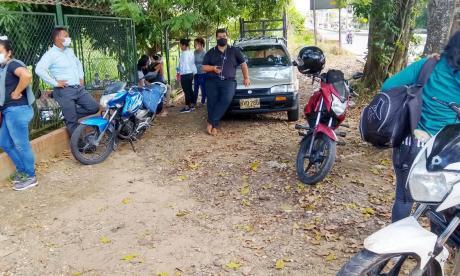 Los familiares de las víctimas de la masacre de San Marcos llegaron hasta la sede de Medicina Legal en la ciudad de Sincelejo.