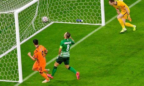 Morata anota uno de los tantos ante el Ferencvaros.