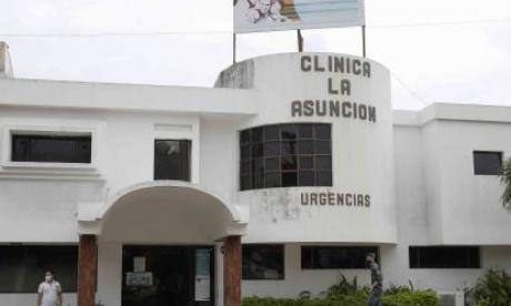 Fachada de la Clínica La Asunción donde se habría registrado el episodio.