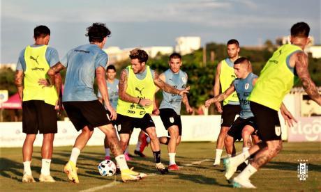 En video   Uruguay entrenó en la sede de Junior