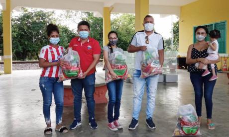 Unimagdalena entregó 130 mercados a estudiantes afectados por invierno