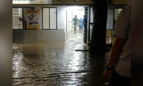 Guachaca está bajo el agua: se volvió a salir el río