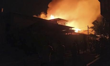 En video | Dos muertos y 73 casas incendiadas en Riosucio, Chocó