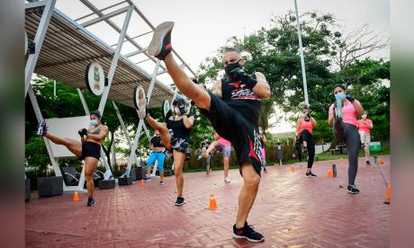 Fit combat: la práctica que mezcla boxeo y artes marciales