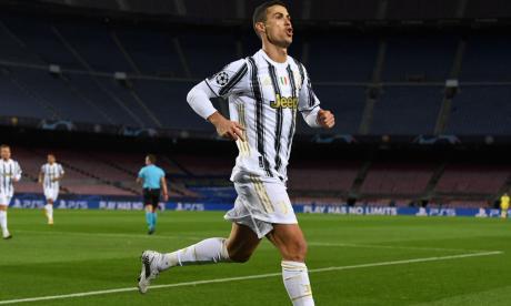 Juventus busca la victoria ante el Barcelona.