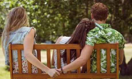 La infidelidad, en la ley colombiana, sí es causal de divorcio en los matrimonios legalmente constituidos.