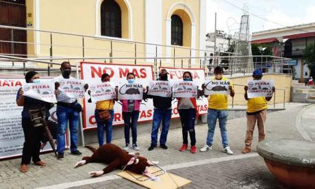 Extrabajadores del Hospital de Sincelejo siguen reclamando sus pagos