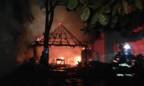 En video   Incendio consumió un restaurante en Santa Marta