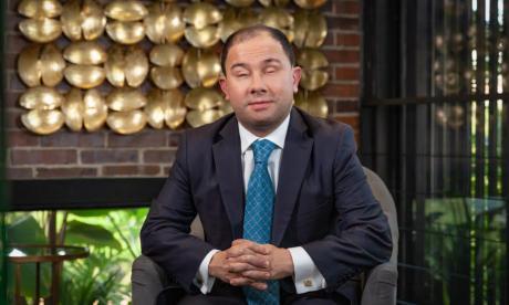 Colombiano invidente es el mejor abogado de Suramérica