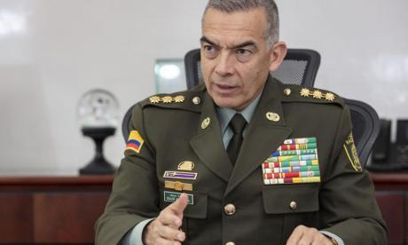 Remezón en la Policía: Duque anuncia salida del general Atehortúa