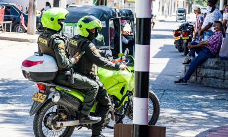 Patrulleros de la Policía realizan labores de vigilancia en el municipio de Malambo.