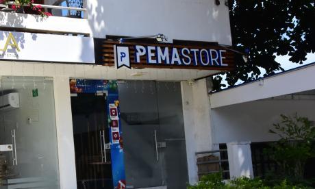 Local comercial donde ocurrió uno de los asaltos.