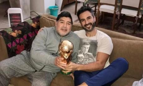 Diego Maradona junto a su médico, Leopoldo Luque.