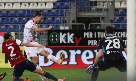 Ibrahimovic devuelve el liderato en solitario al Milan