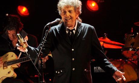 Reclaman a Bob Dylan parte del dinero obtenido por la venta de sus canciones