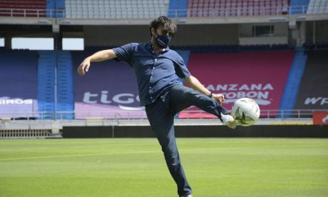 Jaime Pumarejo estuvo este viernes en el estadio Metropolitano Roberto Meléndez en un recorrido con los medios.
