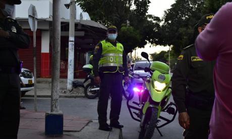 Policía busca a alias Cotorro como responsable de amenaza con granada