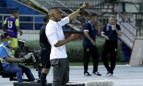 """""""Solo por momentos es que este equipo se acuerda de jugar"""": Amaranto Perea"""
