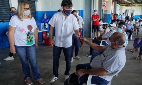 En Barranquilla vacunaron más de 800 docentes y rectores
