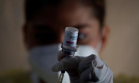 Compra de vacunas por privados aún no está cerca