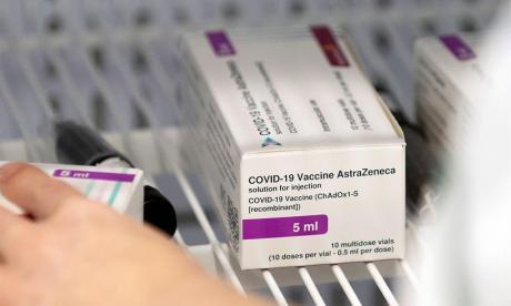 La EMA recomienda poner la segunda dosis de AstraZeneca