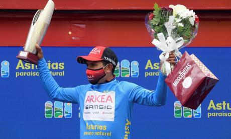 Nairo Quintana se mantiene líder de la Vuelta a Asturias