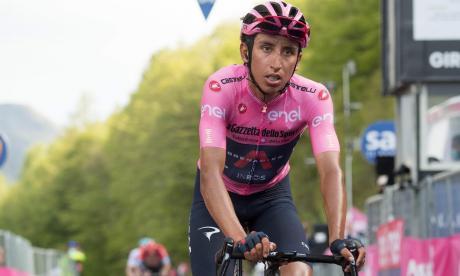 Egan Bernal, a una etapa del título del Giro de Italia