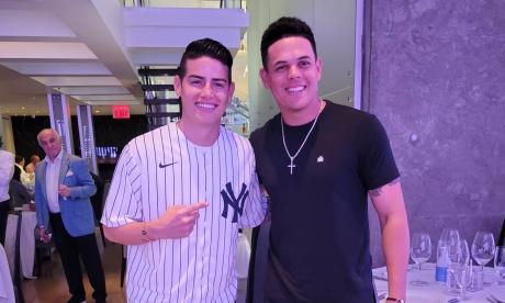 Giovanny Urshela y James Rodríguez compartieron en Nueva York