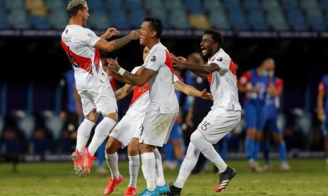 Perú clasificó a las semifinales de la Copa América