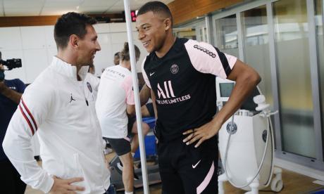 """Mbappé da la bienvenida a Messi y lo califica de """"leyenda"""""""