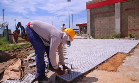 Obras complementarias de colegios en municipios, en la recta final