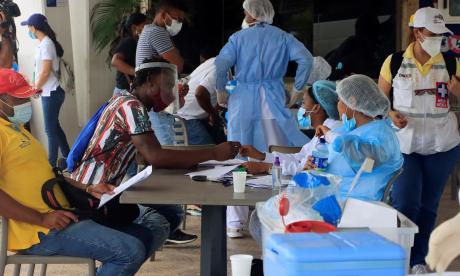Colombia suma 2.467 casos nuevos y se acerca a los 4,9 millones de contagios