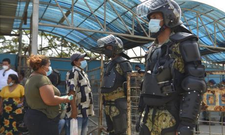 FFAA realizan operación en prisión de Guayaquil donde murieron 116 reos
