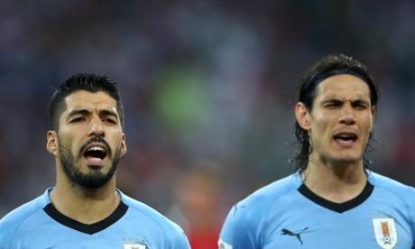 Suárez y Cavani encabezan ataque de Uruguay para enfrentar a Colombia