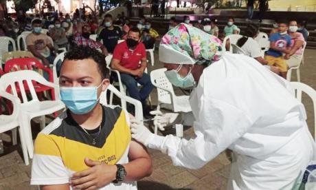 Con éxito se realizó vacunatón nocturna en Sincelejo