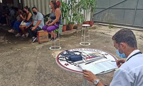 Fábrica de Arte Cubano: un vacunatorio atípico en La Habana