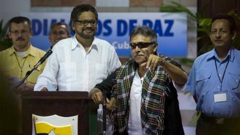 Iván Márquez y Jesús Santrich en La Habana. Eran otros tiempos.