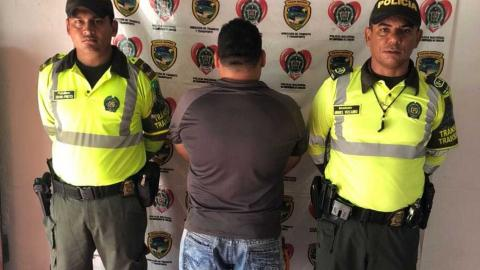 El capturado fue dejado a disposición del fiscal del caso.