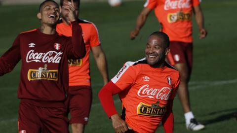 El delantero peruano no podrá estar con su selección en Rusia 2018.
