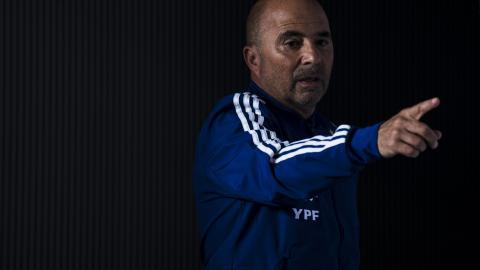 El entrenador apostó en la ofensiva a Cristian Pavón, la juvenil figura del bicampeón argentino Boca Juniors.