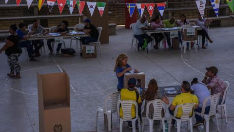 Vista general del puesto de votación ubicado en la IED El Pueblito, en el suroccidente de Barranquilla.