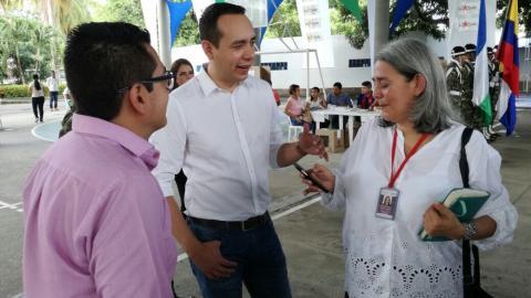 (En el centro) el viceministro del interior para la Participación e Igualdad de Derechos, Eduardo Garzón.