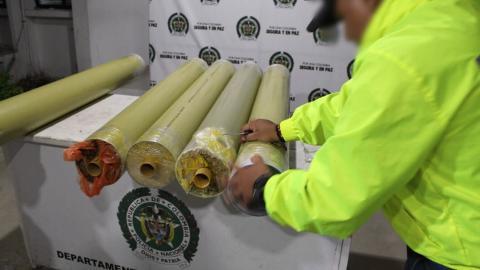 La droga estaba camuflada en los tubos de PVC.