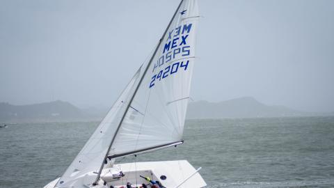 Los vientos en promedio de 18 nudos y ráfagas que pusieron a prueba a los navegantes.